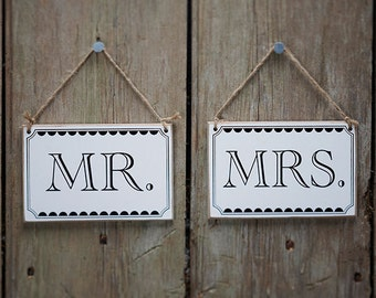 Mr & Mrs Signs | Wedding Signs