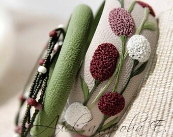 Bangle set Wildflowers - 3pcs - Floral polymer clay bracelets - Flowers - Vinous Pink White Green bangle - Sanguisorba