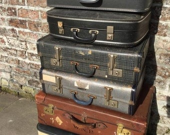 Vintage Suitcases // Vintage Luggage // Vintage Home Decor // Vintage Storage Solution // Vintage Leather Cases // Photo Props