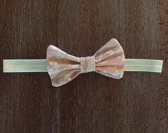 Vintage Pink Bow Band
