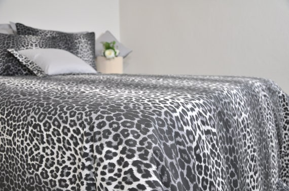 Leopard Bedding Set In Full Queen King Size Black Smoky Gray