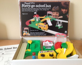 Playrail Merry-go-school bus TOMY