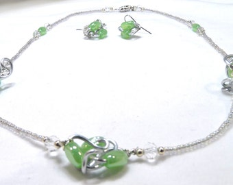 Handmade necklace Green wire