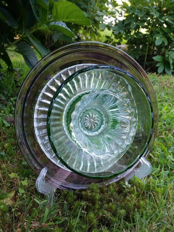 Upcycled glass flower garden decor vintage glass suncatcher for Upcycled yard decor