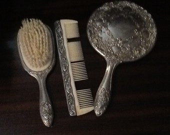 Vintage brush and comb set from the 90's