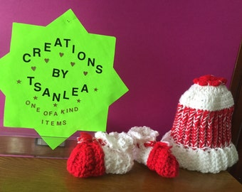 Christmas hat & boogies set for a girl - 3 to 6 Mo.