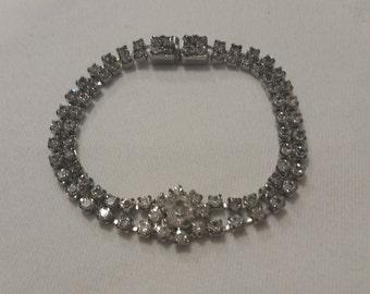 Elegant rhinestone bracelet