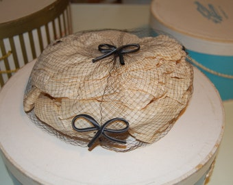 Pretty Little Veil-Netting Brown Hat with detail
