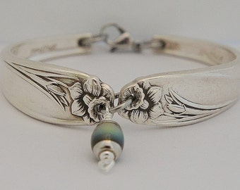 """March Birth Flower 10th Anniversary Daffodil Vintage Spoon Bracelet Color Changing Mood Charm Silverware Jewelry """"Daffodil"""" Year 1950"""