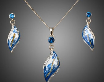 18ct Gold Plated Swarovski Elements Blue Crystal Jewellery Set Necklace Earrings