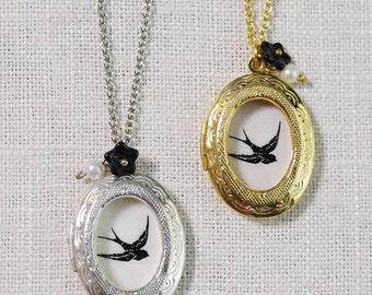 bird window locket necklace . bird locket . bird in flight . bird charm necklace . bird silhouette vintage inspired jewelry // 1ENDL
