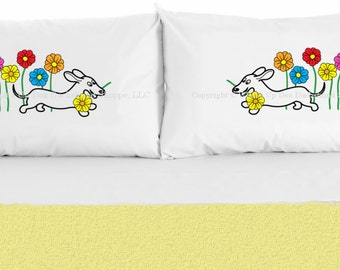 Set of 2 Dachshund Daisies Pillowcases