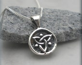 Tiny Trinity Knot Necklace, Triquetra Necklace, Irish Jewelry, Sterling Silver, Celtic Knot, Celtic Trinity Knot, Triquetra Pendant (SN884)