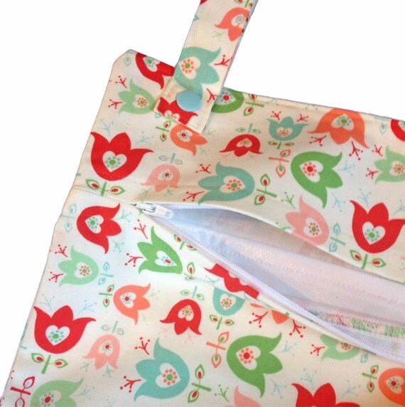 Tulips kitchen laundry wetbag - storage for paperless towels, cloth napkins, dish cloths, etc.