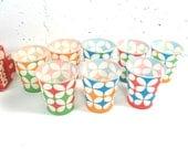 Vintage Dixie Cups, paper cups, mod colorful design, 5 oz cold cups