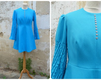 Vintage 1960 /60s mini mod dress / turquoise jersey / gathered sleeves / size M