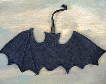 Free Ship! Hand Guided Embroidered Black Bat Decoration Halloween