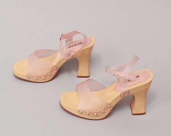 size 8 PLATFORM pink clear plastic 80s 90s CLOGS resin high heel MULES
