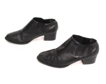 size 7.5 CHELSEA black leather 80s 90s WESTERN MINIMAL slip on ankle boots