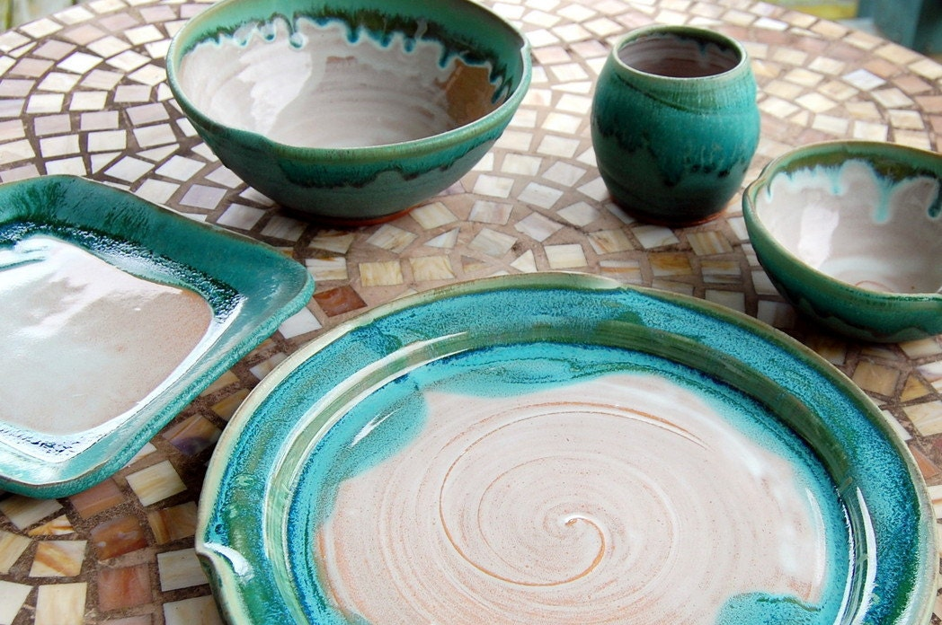 Eclectic Dinnerware Place Setting In Turquoise And White