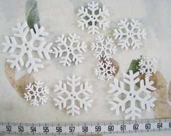 35 pcs of White Snowflake Button