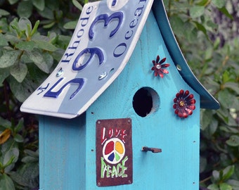 Hippie Birdhouse - Peace Birdhouse - Rustic Birdhouse - Recycled Birdhouse - Hippie