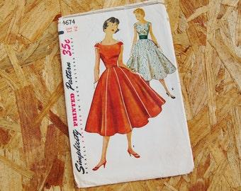 Vintage Simplicity 1950's Pattern Full Gored Skirt Dress 4674 size 16 Bust 34