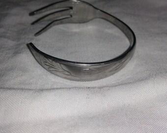 One flower fork bracelet