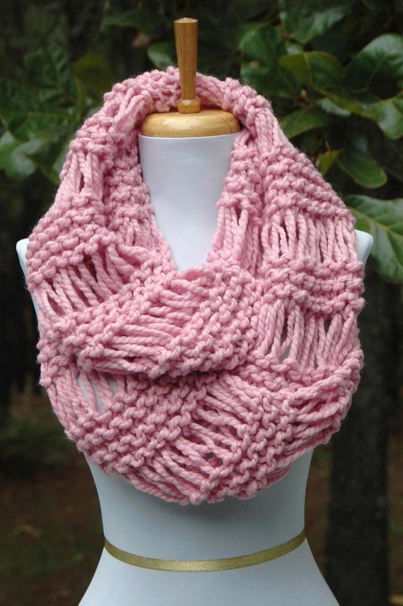 Pink Knit Infinity Scarf, Chunky Scarf, Circle Scarf, Wool Scarf, Hand Knit Infinity Scarf, Women Scarf, Knitted Winter Wool Scarf