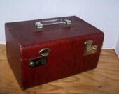 Vintage Train Case Make Up Case Luggage