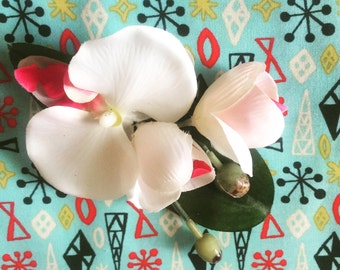 Vintage Retro Pinup White Orchid Cluster Hair Flower