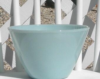 Delphite Blue Glass Splash Proof Mixing Bowl Large Azurite Fire King Oven Ware Vintage