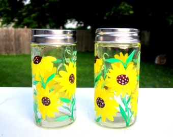 Salt and Pepper Shakers, Hand Painted, Sunflowers, Glass Salt and Pepper Shakers, Kitchen Decoration