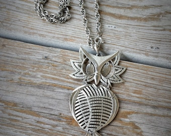 Vintage Way Cool Silver Owl Necklace