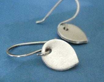 Silver Flower Petal Earrings, Fine Silver Clay Earrings, Everyday Jewelry, Silver Dangles, Free Shipping