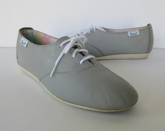 Bass Womens Gray Oxford Shoes - size 9