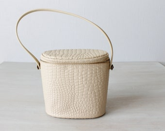 Bucket Bag / Bucket Purse / 1960s Purse / Tote / Pebble