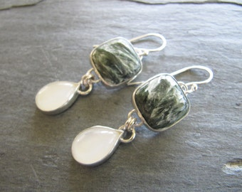 Earrings of Seraphinite and Moonstone in Sterling Silver