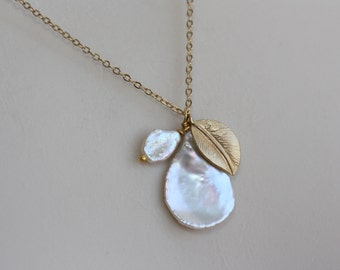 White Pearl Large Coin Gold Leaf Necklace, Bridal Jewelry, Bridal Necklace, Jewelry Gift, Minimal and Moderns