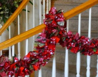 Christmas Garland in Reds,Holiday Swag,Christmas decoration,Christmas Party decoration,Holiday party decoration