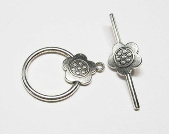Toggle Clasp - Antiqued Silver Pewter - Extra Large Circle with Daisy Toggle (1 clasp) - Tog220