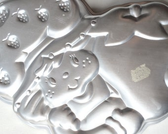 Vintage Strawberry Shortcake Cake Pan Wilton 1980s