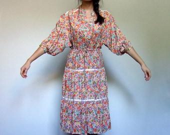 Vintage Boho Ditsy Floral Print Festival Dress 70s Hippie Batwing Sleeve Peasant Dress - Medium M