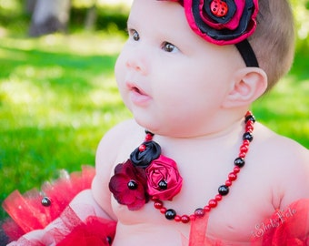 Baby Girl Black and Red Necklace, Beaded Pearl w Fabric Flower Rosettes, photo prop, Newborn baby shower gift, Ladybug First Birthday Outfit