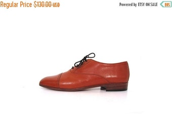 BTS SALE Vintage 80s COGNAC Brown Italian Leather Preppy Chic Perforated Cap Toe Oxford Brogues men 8.5 women 10