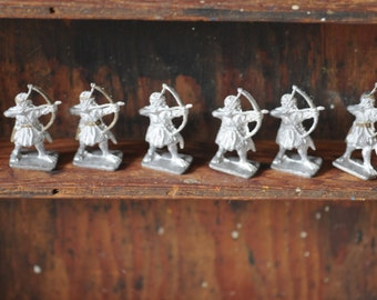 dungeons and dragons miniature, Lots of tiny Barbarian archers, 1975