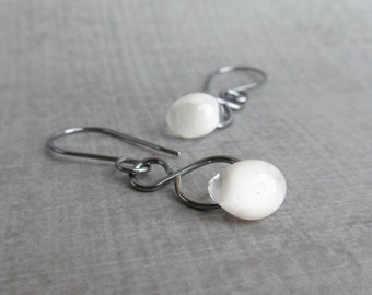 Snow White Dangle Earrings, White Earrings Dangle, Lampwork Earrings White, White Glass Drop Earrings, Oxidized Sterling Silver Earrings