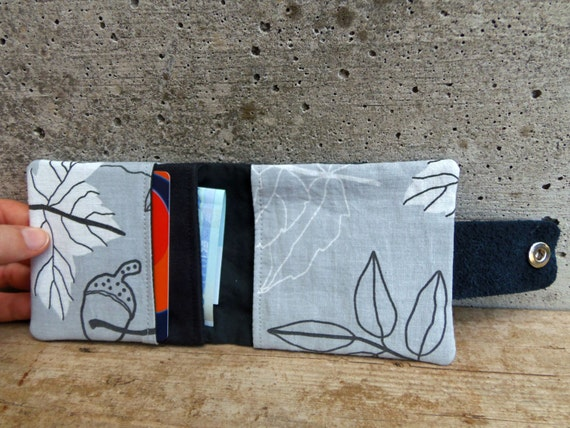 Pockets of a fabric wallet by MadameRenard