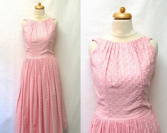 1950s / 60s Vintage Embroidered Cotton Dress / Pink & White Pintucked Pleated Dress