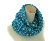 Turquoise Cowl, Infinity Scarf, Cowl, Circle Scarf, Variegated Scarf, Knit Infinity Scarf, Gift Ideas, Fashion Scarf, Winter Cowl